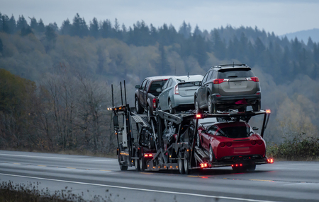 Paperwork for Transporting a Vehicle From Canada to U.S.